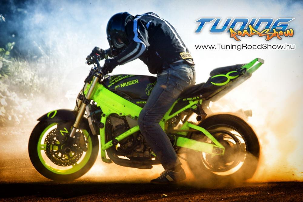 Motoros Stunt bemutató a Fővárosi Rendezvényparkban